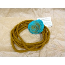 Felted flower rope